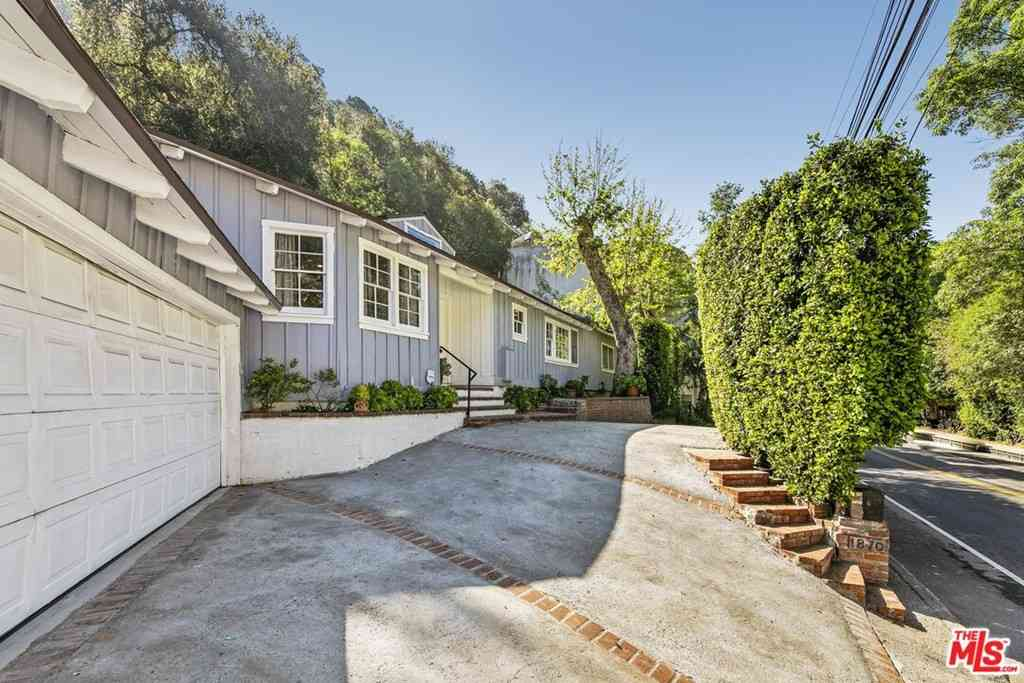 1870 Benedict Canyon Drive, Beverly Hills, CA, 90210,