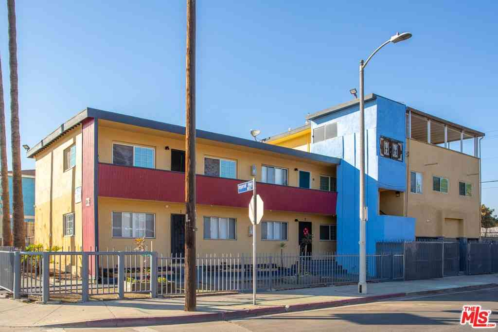 863 E Imperial Highway, Los Angeles, CA, 90059,