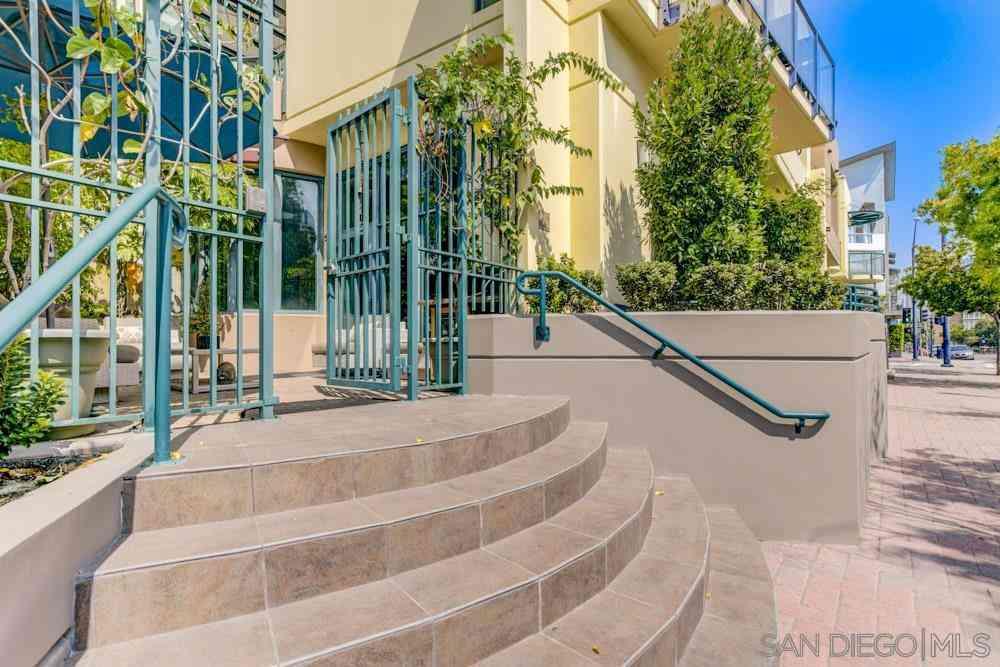 130 W Island Ave, San Diego, CA, 92101,