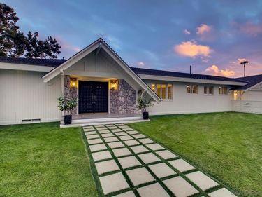 3825 Coronado Ave, San Diego, CA, 92107,