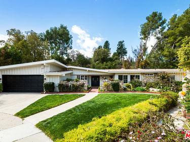 4353 La Amistad Way, Tarzana, CA, 91356,