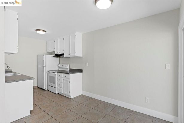 22 Moss Ave #310