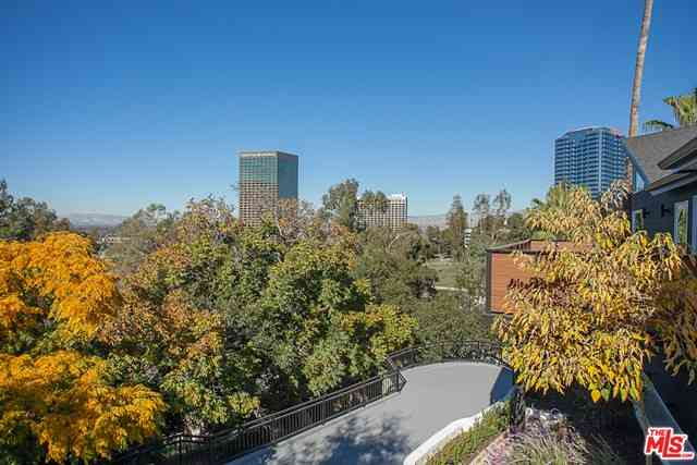 3751 Multiview Drive, Los Angeles, CA, 90068,