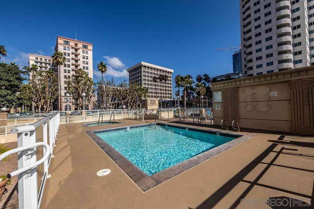 488 E Ocean Blvd #P18, Long Beach, CA, 90802,