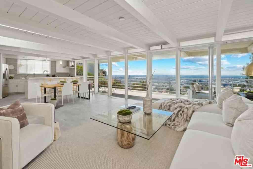8448 Franklin Avenue, Los Angeles, CA, 90069,