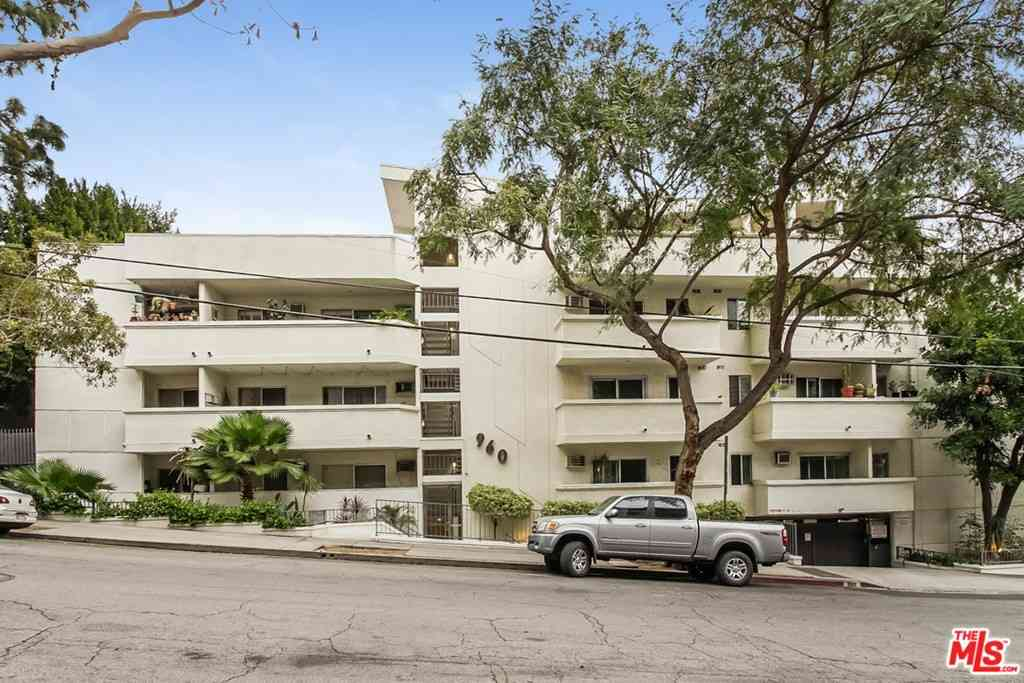 960 Larrabee Street #207, West Hollywood, CA, 90069,