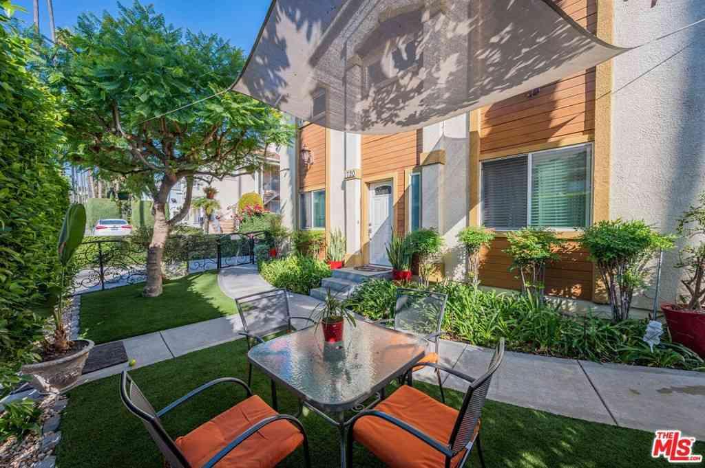 1720 N Wilton Place, Los Angeles, CA, 90028,