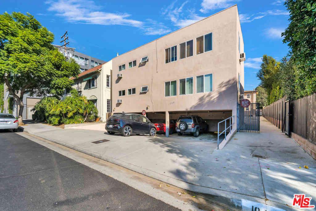 1046 N Sierra Bonita Avenue, West Hollywood, CA, 90046,