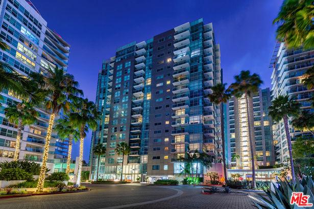 13650 Marina Pointe Drive #1009