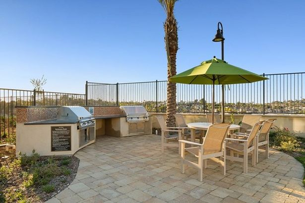 1149 Delpy View Point
