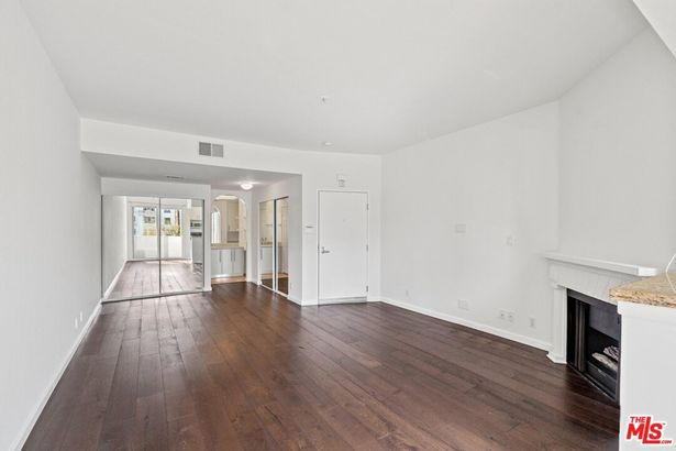 620 S Gramercy Place #329