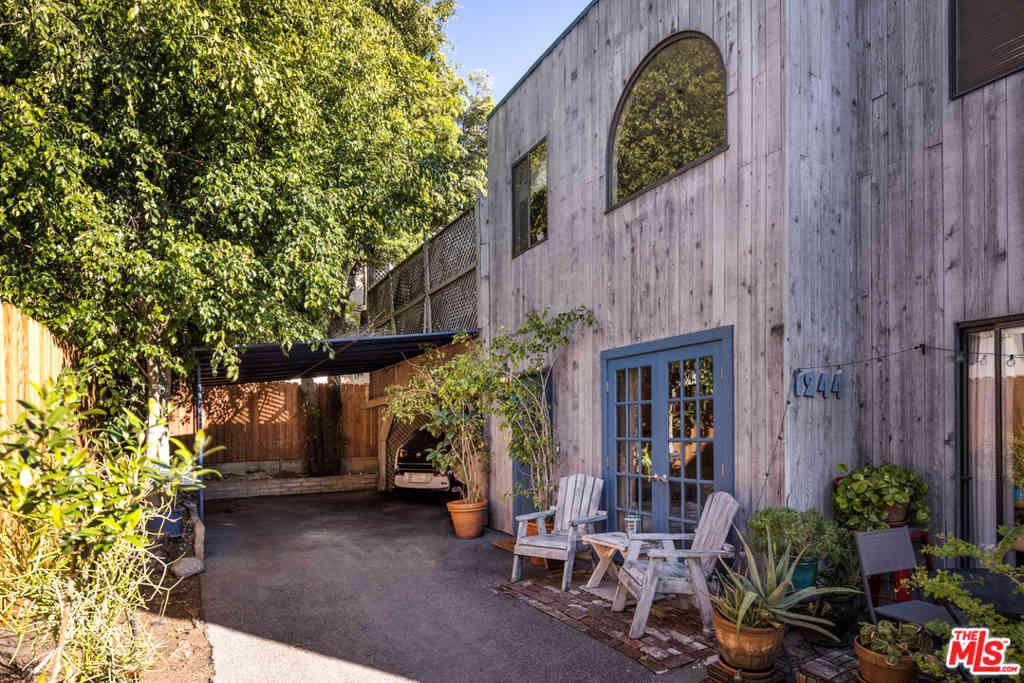 1244 N Sweetzer Avenue, West Hollywood, CA, 90069,