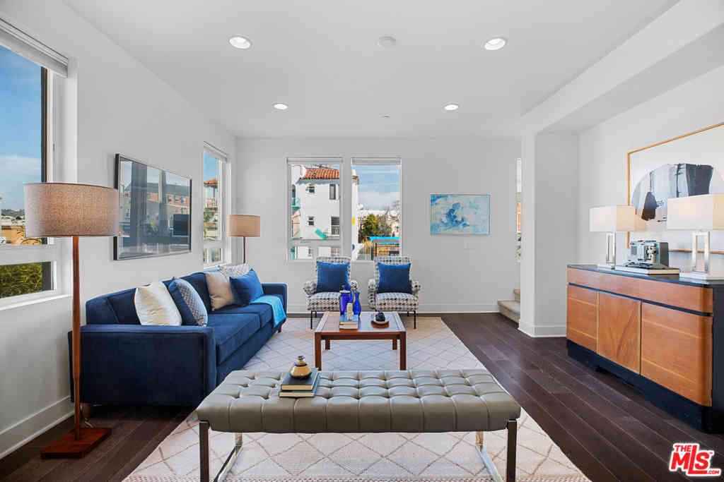 5128 Melrose Avenue, Los Angeles, CA, 90038,