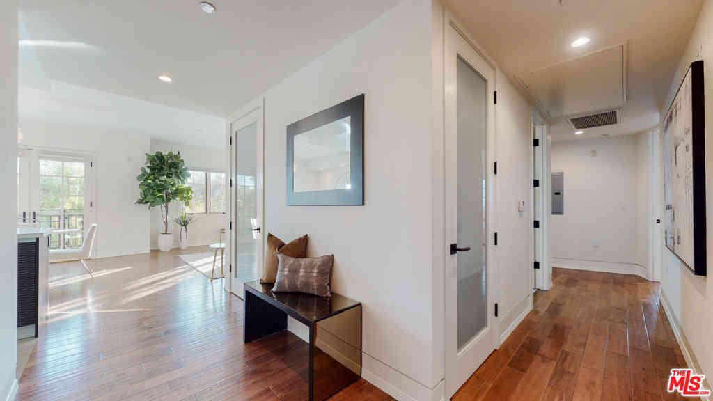 227 S Hamilton Drive #313, Beverly Hills, CA, 90211,