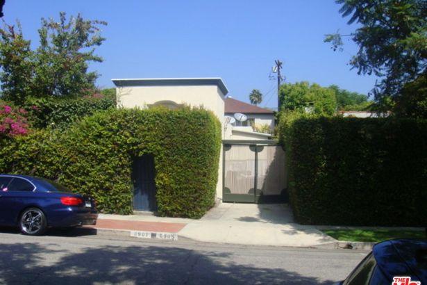 8905 Rosewood Avenue