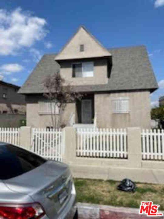 857 E 24Th Street, Los Angeles, CA, 90011,