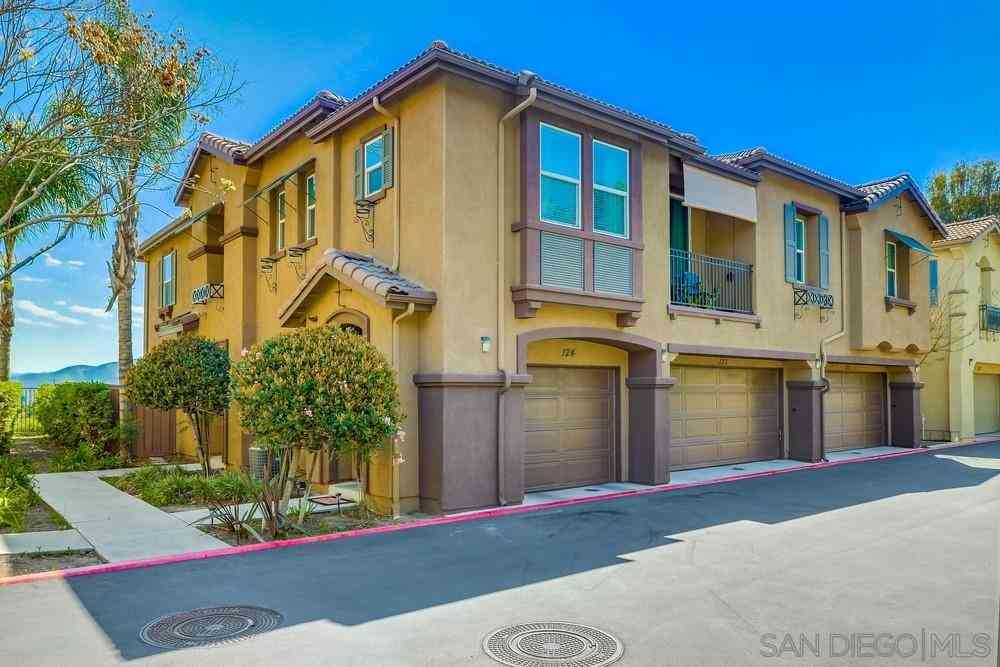 425 S Meadowbrook #123, San Diego, CA, 92114,