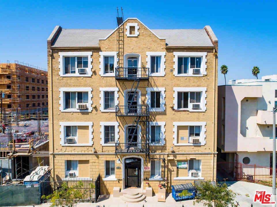 833 Fedora Street, Los Angeles, CA, 90005,
