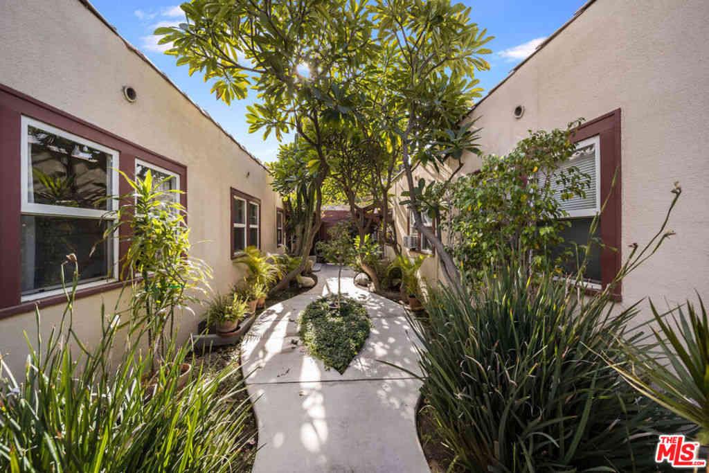 7011 Fountain Avenue, Los Angeles, CA, 90028,