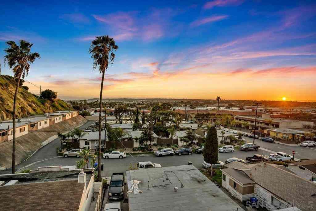 3961 Hortensia St #H12, San Diego, CA, 92110,