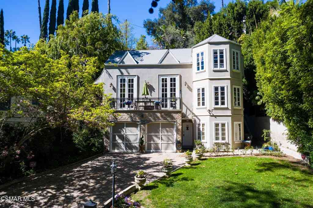 2165 Fern Dell Place, Los Angeles, CA, 90068,
