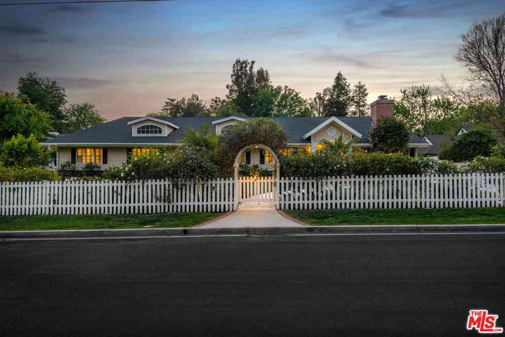 4263 Forman Avenue, Toluca Lake, CA, 91602,