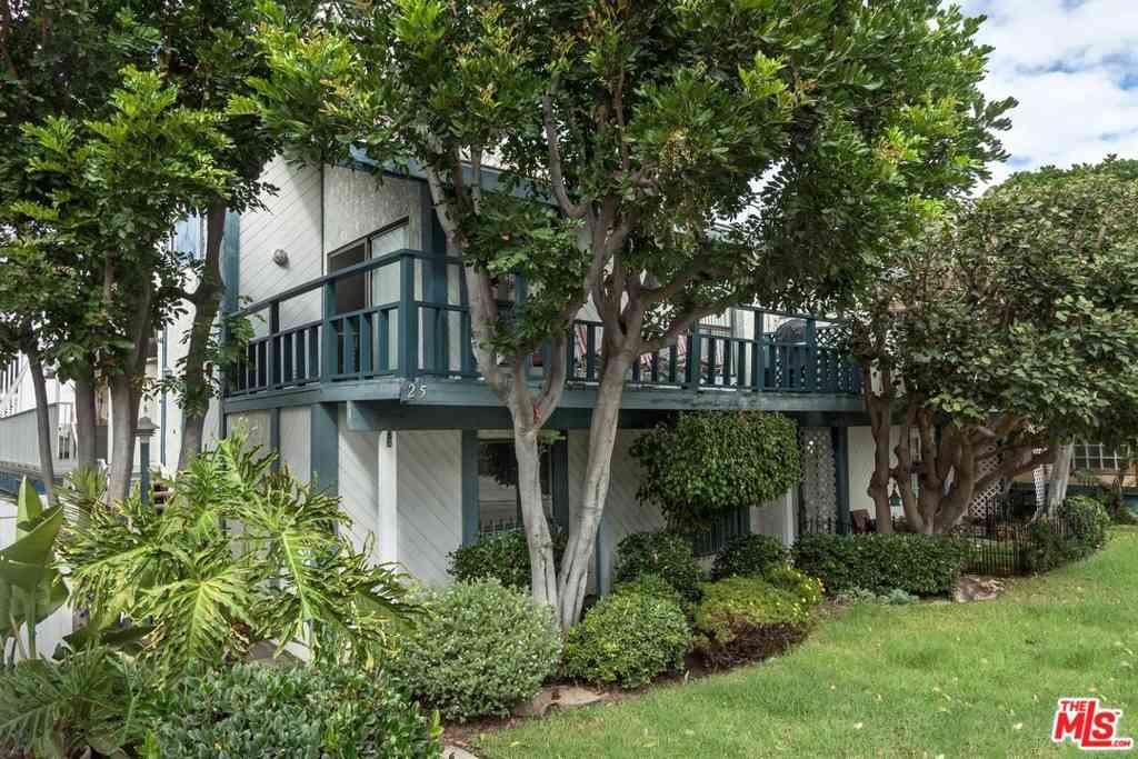25 Hurricane Street #1, Marina Del Rey, CA, 90292,