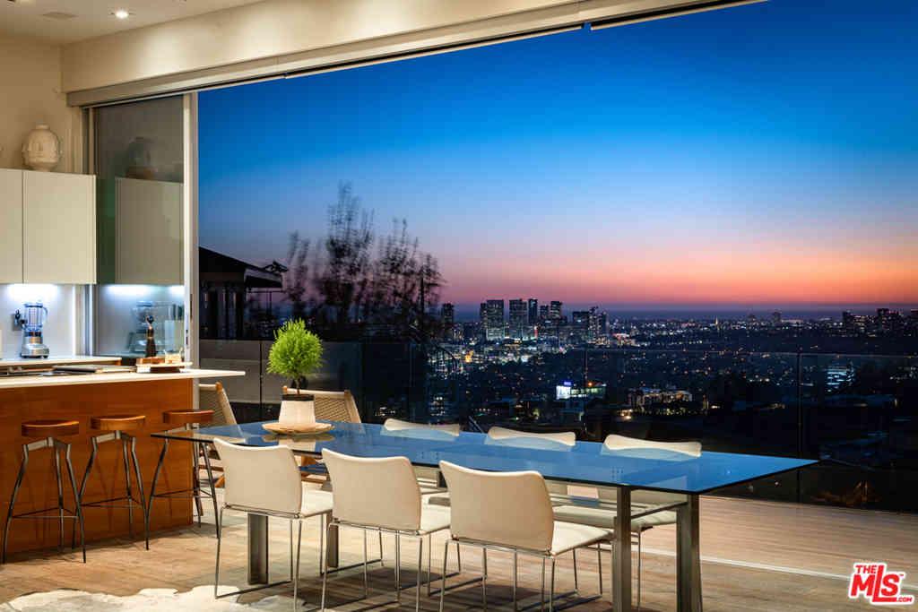 8760 Hollywood Boulevard, Los Angeles, CA, 90069,