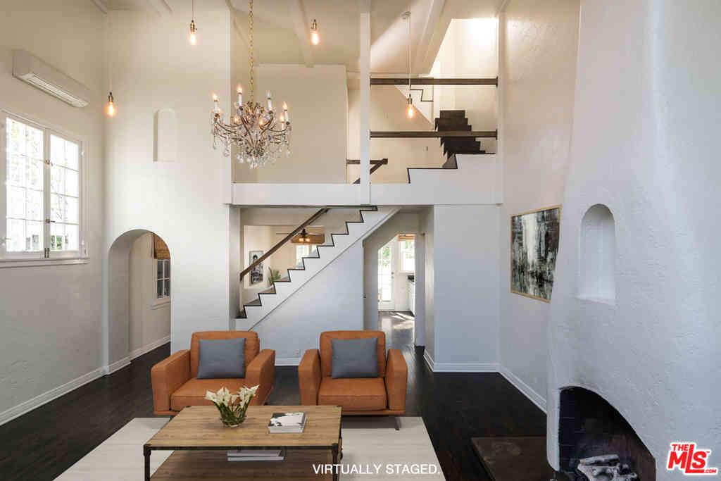 6204 Banner Avenue #2, Los Angeles, CA, 90038,