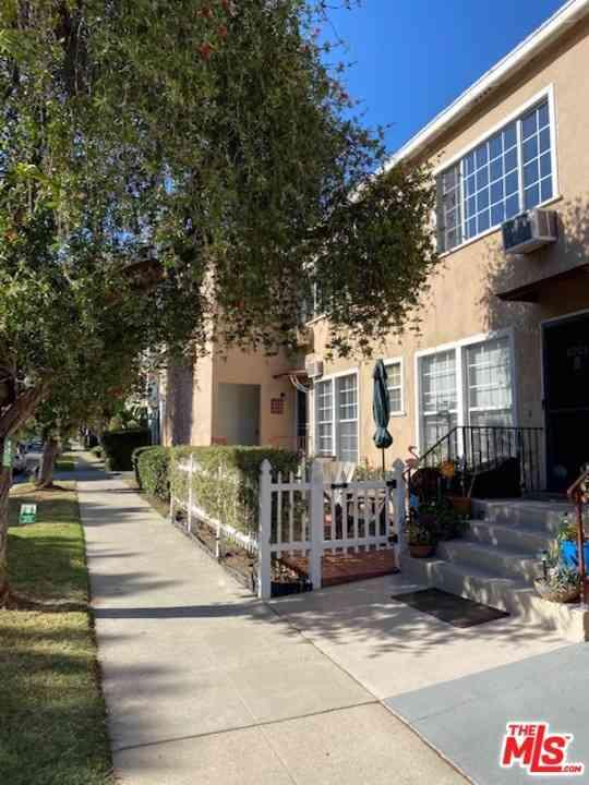 8917 N Clifton Drive, Beverly Hills, CA, 90211,