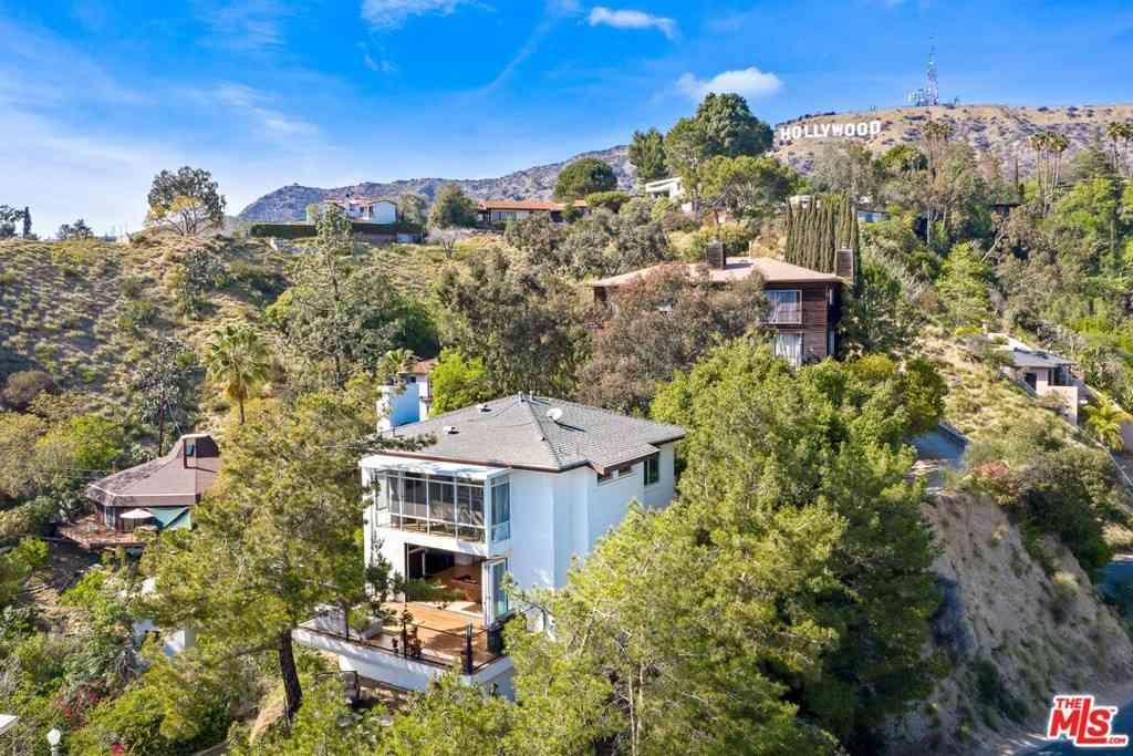 6111 Rodgerton Drive, Los Angeles, CA, 90068,