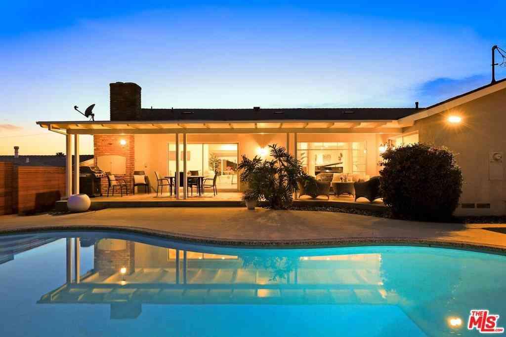 5332 Senford Avenue, Los Angeles, CA, 90056,