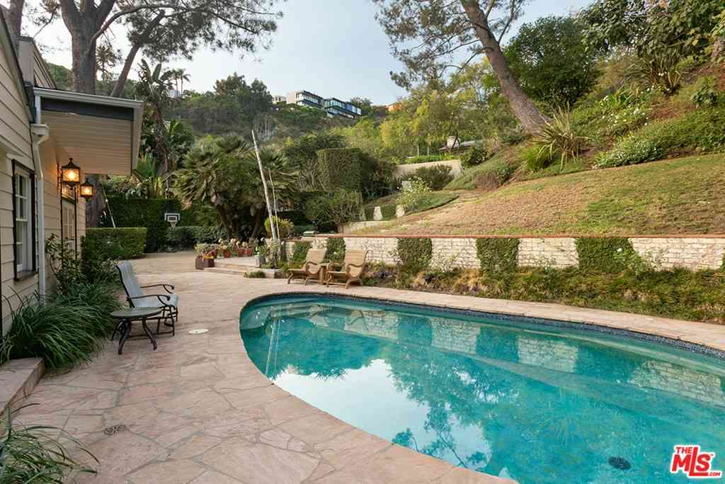 8987 St Ives Drive, Los Angeles, CA, 90069,