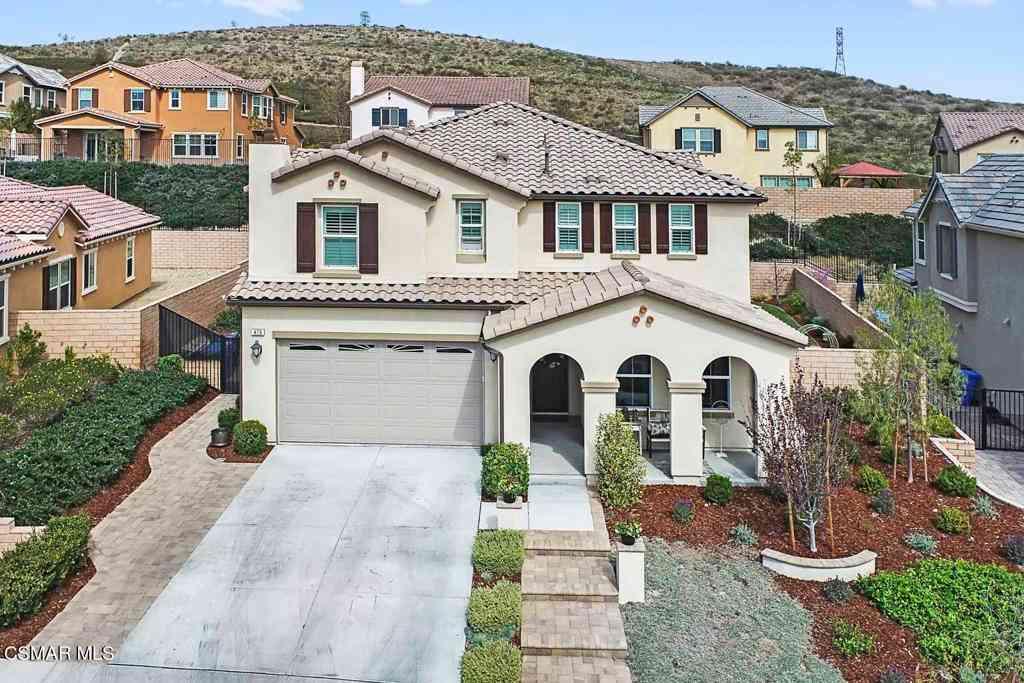 476 Almond Lane, Simi Valley, CA, 93065,