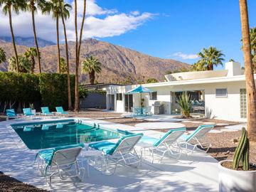 981 E Marion Way, Palm Springs, CA, 92264,