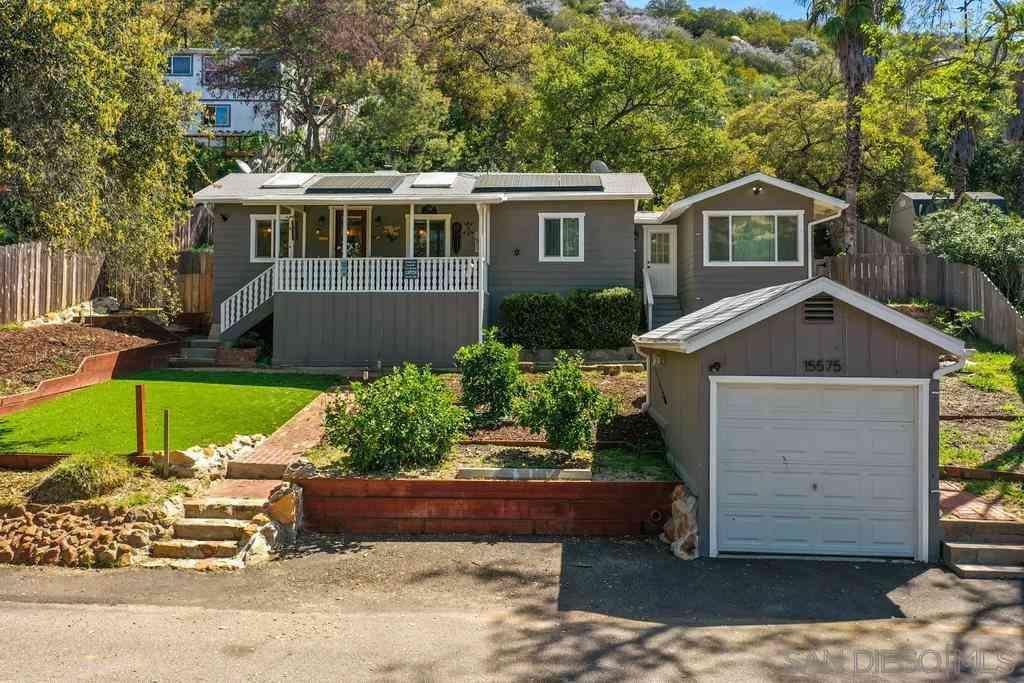 15575 Oakvale Rd, Escondido, CA, 92027,