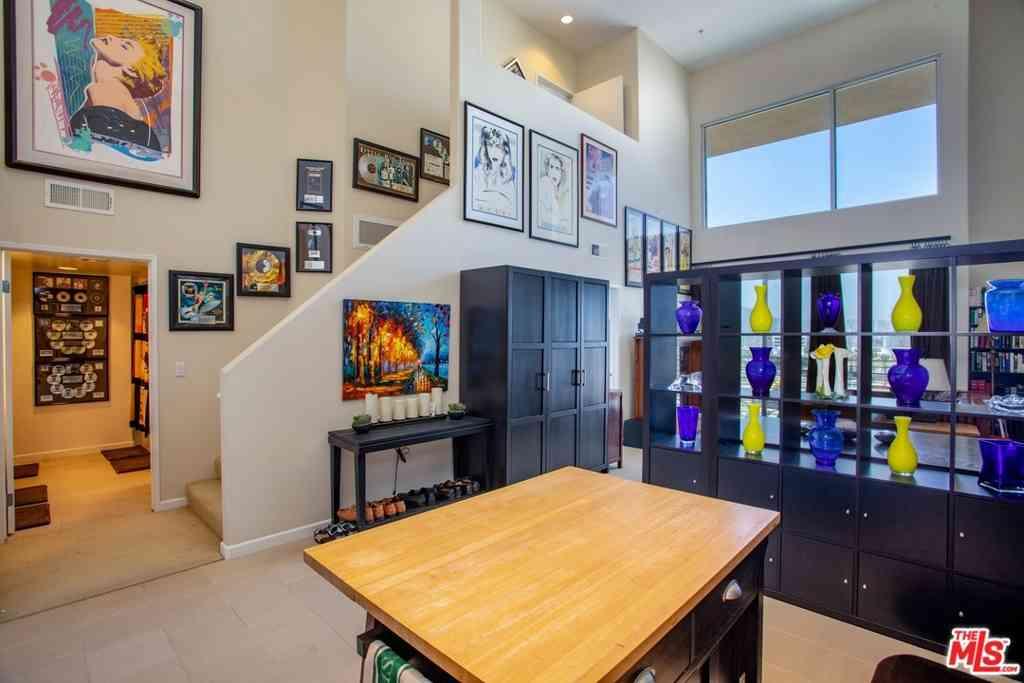 250 N First Street #405, Burbank, CA, 91502,