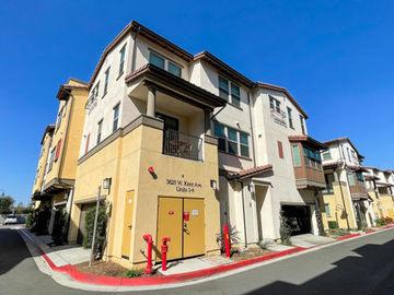 3820 West Kent Avenue #2, Santa Ana, CA, 92704,