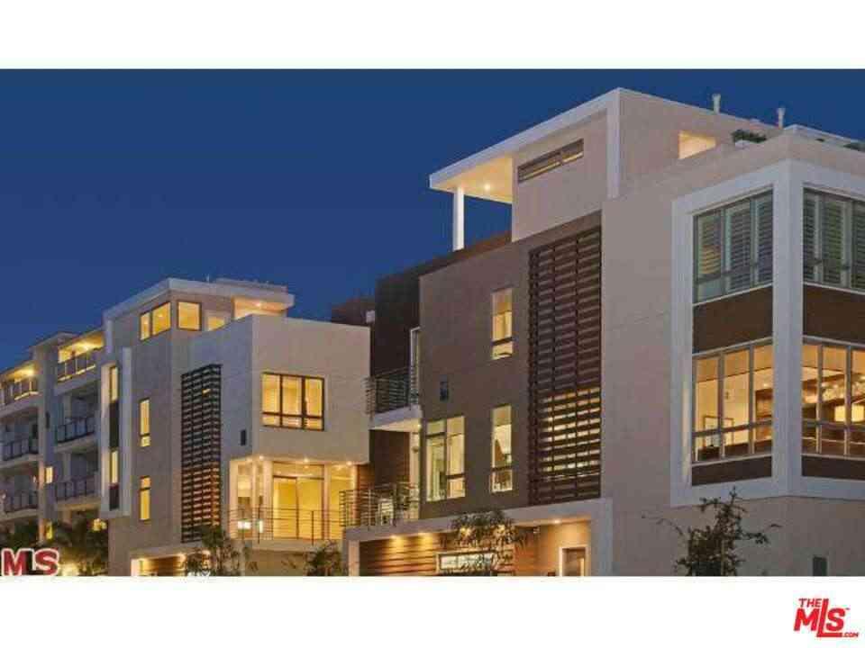 1400 N Fuller Avenue #2, Los Angeles, CA, 90046,