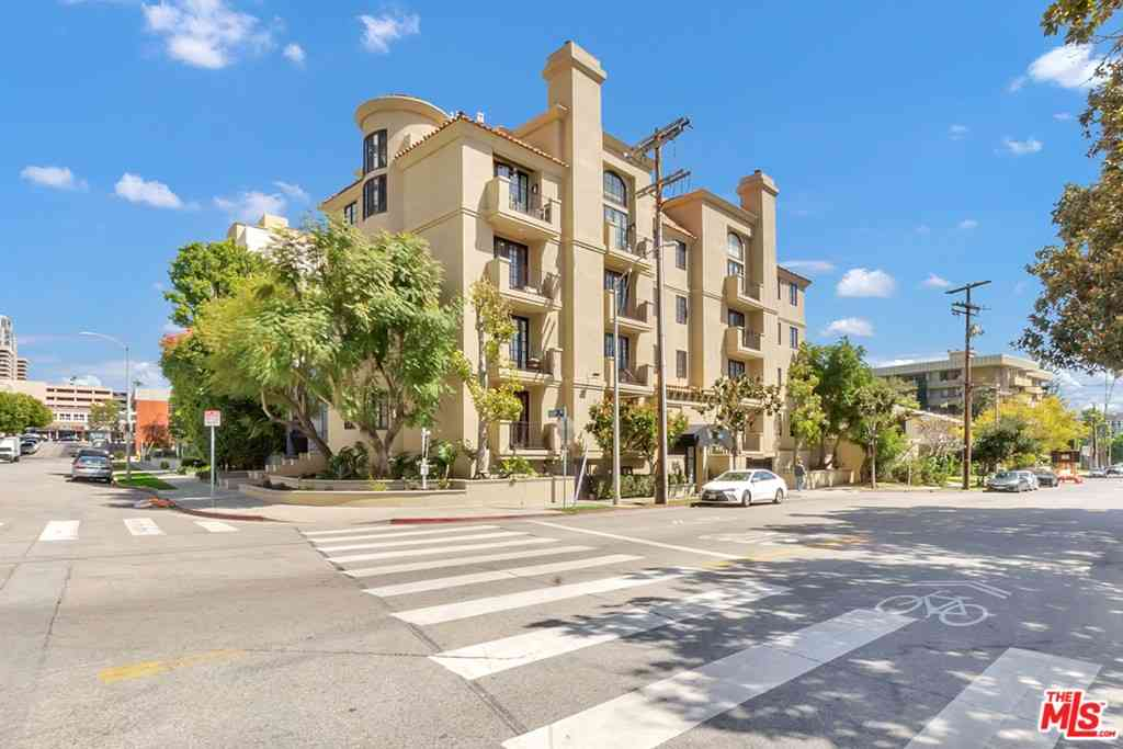 1250 Midvale Avenue #301, Los Angeles, CA, 90024,