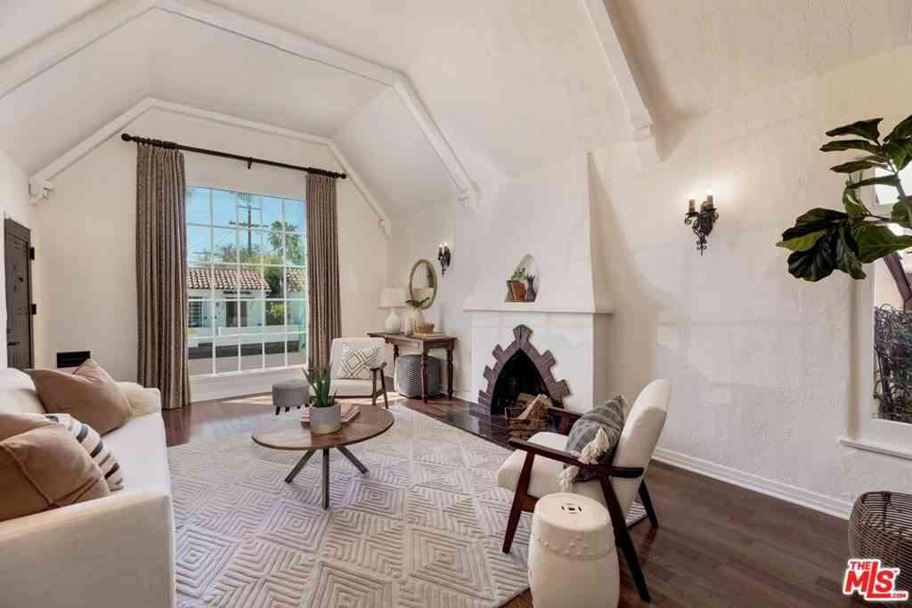 7709 Waring Avenue, Los Angeles, CA, 90046,