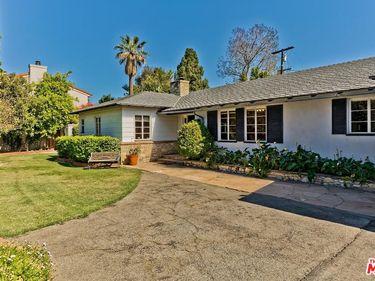 14216 Chandler Boulevard, Sherman Oaks, CA, 91401,