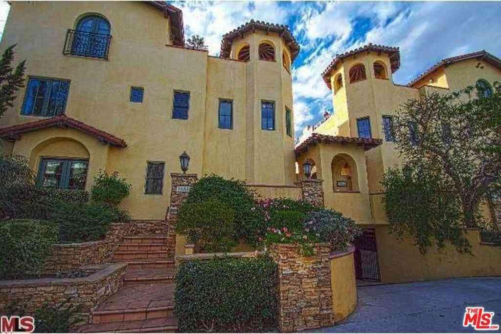 1331 N Sycamore Avenue #3, Los Angeles, CA, 90028,