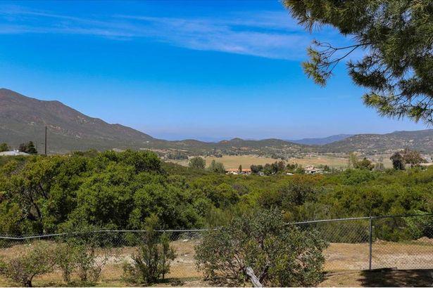 1529 Montecito Vis
