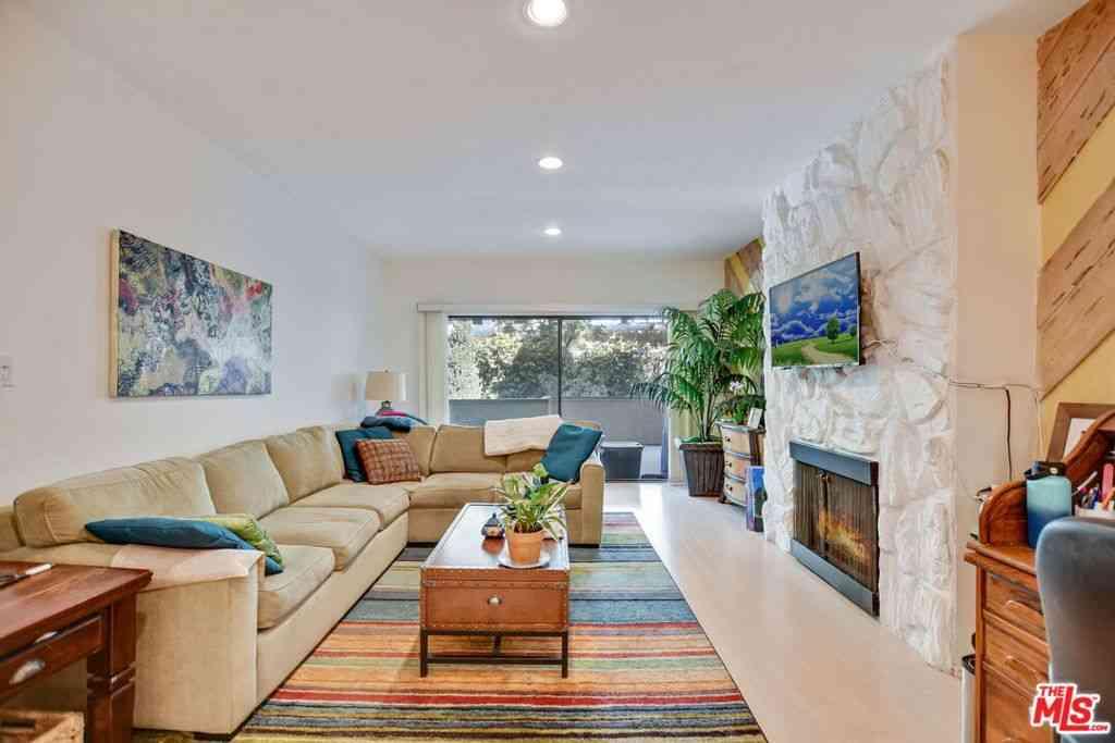 2332 Fox Hills Drive #4, Los Angeles, CA, 90064,