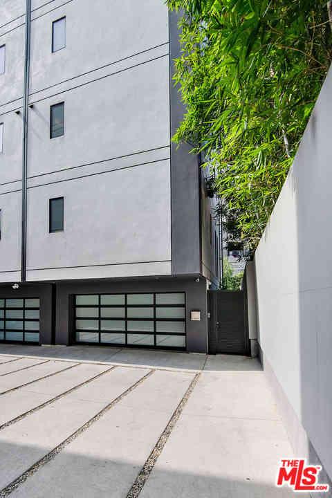 1351 N Gardner Street #1/2, Los Angeles, CA, 90046,