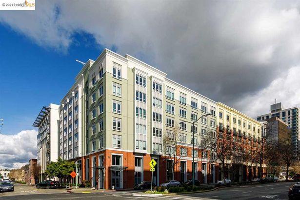 438 W Grand Ave #410