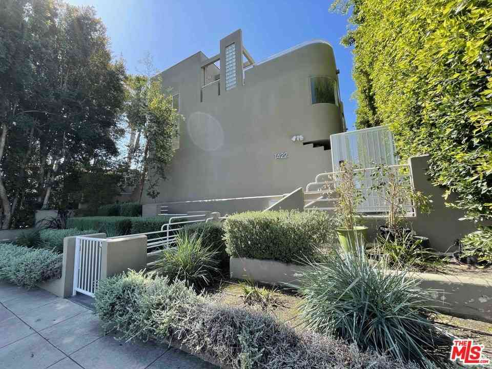 1422 19Th Street #D, Santa Monica, CA, 90404,