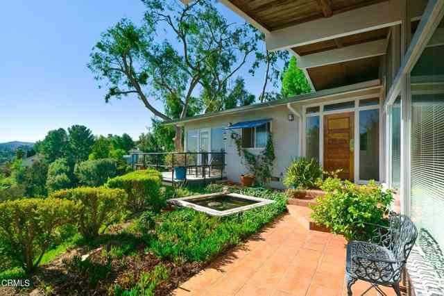 22211 Cass Avenue, Woodland Hills, CA, 91364,