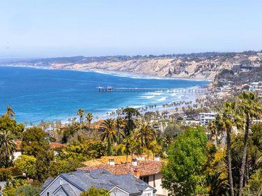7682 Hillside Dr, La Jolla, CA, 92037,